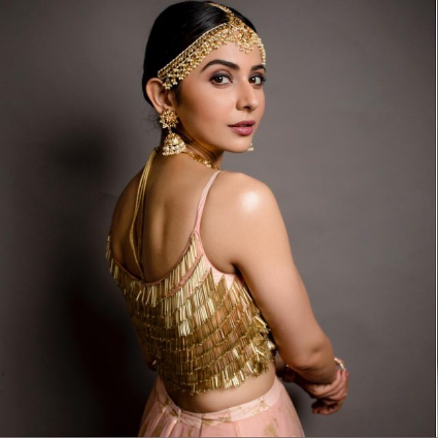 Rakul Preet Twirling in  pretty pastel lehenga welcoming 2020.   Looking back only to be grateful for all these years and more so the last decade .. welcome 2020  first performance of the year for zee cine awards tamil 2020. Styling : Geetika chadha. Outfit : Architha narayanam.  Jewellery : Kiara jewelry .makeup by Chaks makeup .Photographer Kiransa photography.