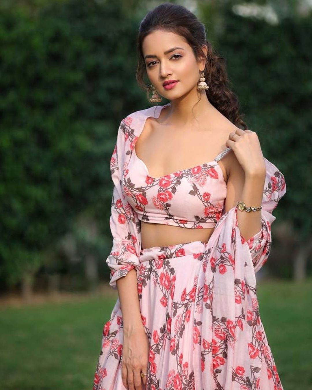 SHANVI SRIVASTAVA  giving whimsical vibes in Ashwini Reddy Signature florals. 2020-07-30