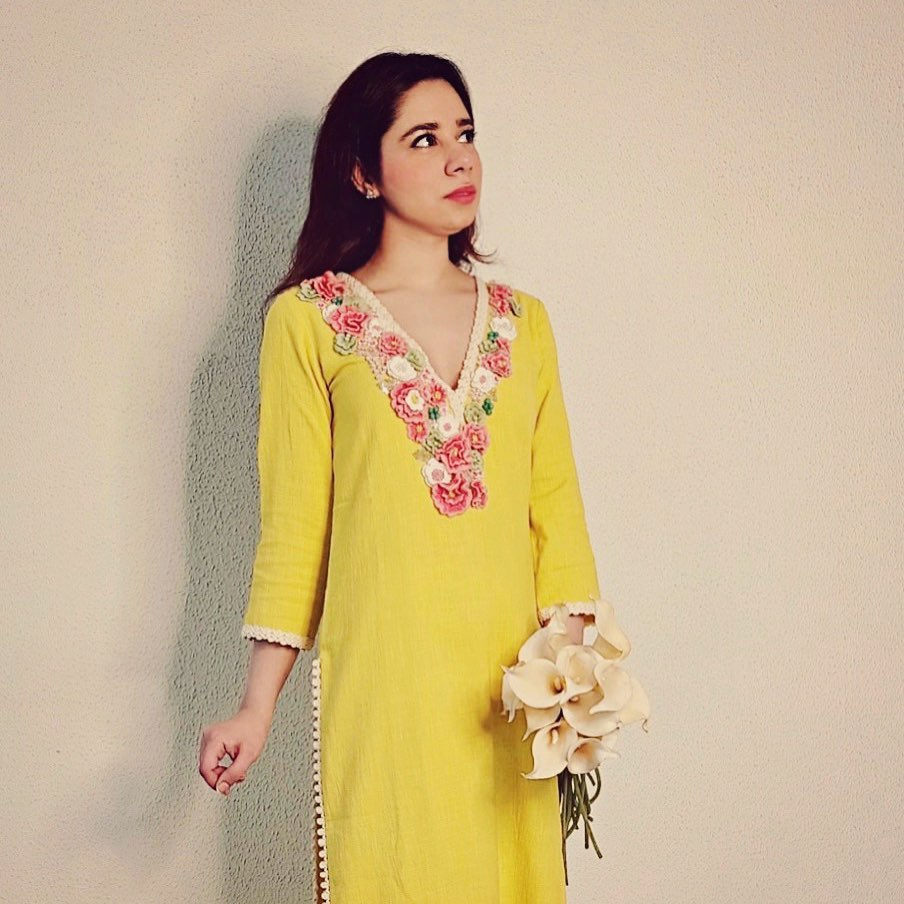 Tarini bhatia is a picture of fantasy in Summer by Priyanka Gupta yellow bloom kurta!  Meet  first #mysummergirl who lends a dreamy charm to our clothes with her silent sweetness. 2020-08-12
