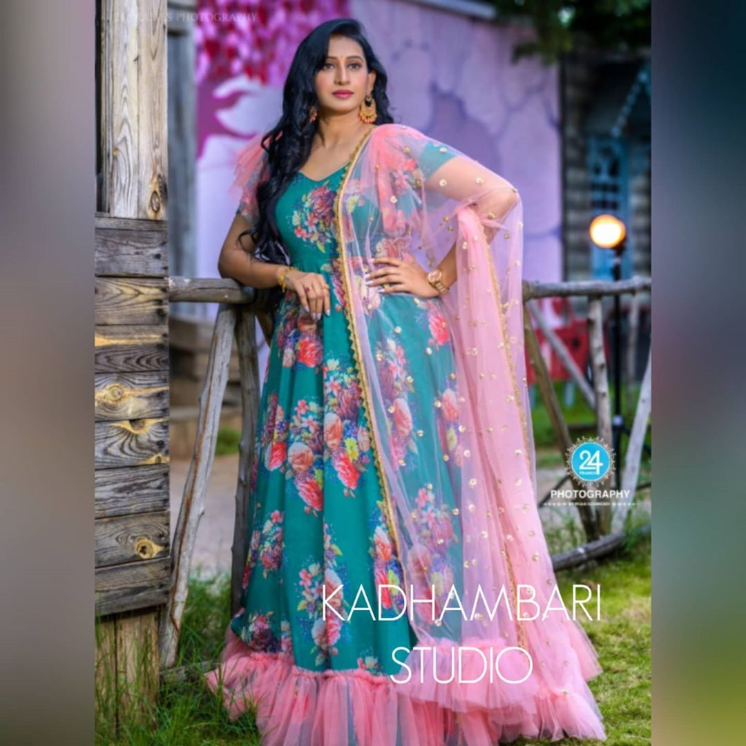 Beautiful Meena vasu in Kadhambaro out fit. Beautiful floral floor length anarkali dress with net dupatta. 