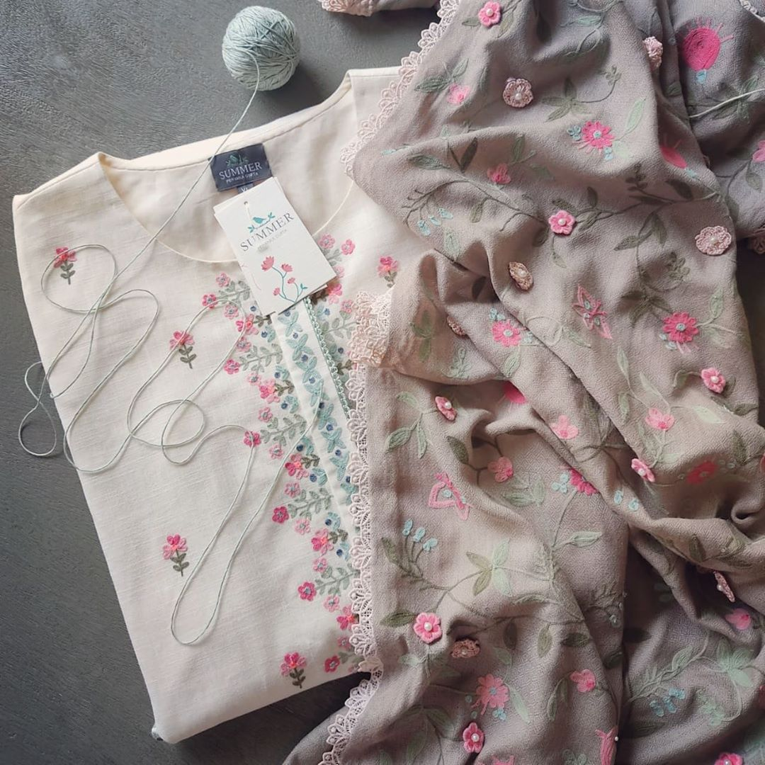 Priyanka Gupta team getting winter ready! What about you? Gorgeous designer kurti with hand embroidery work and floral dupatta.   | anarkali kurtis | yellow anarkali dress | latest frock suit | 2020-11-06