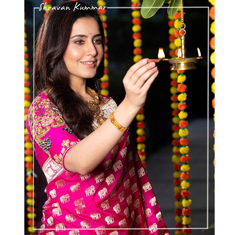 Beautiful actress Raashi Khanna in Shravan Studio sareee. | paithani blouse designs 2020 | saree dress designs 2020 | peacock color saree | 2020-11-20