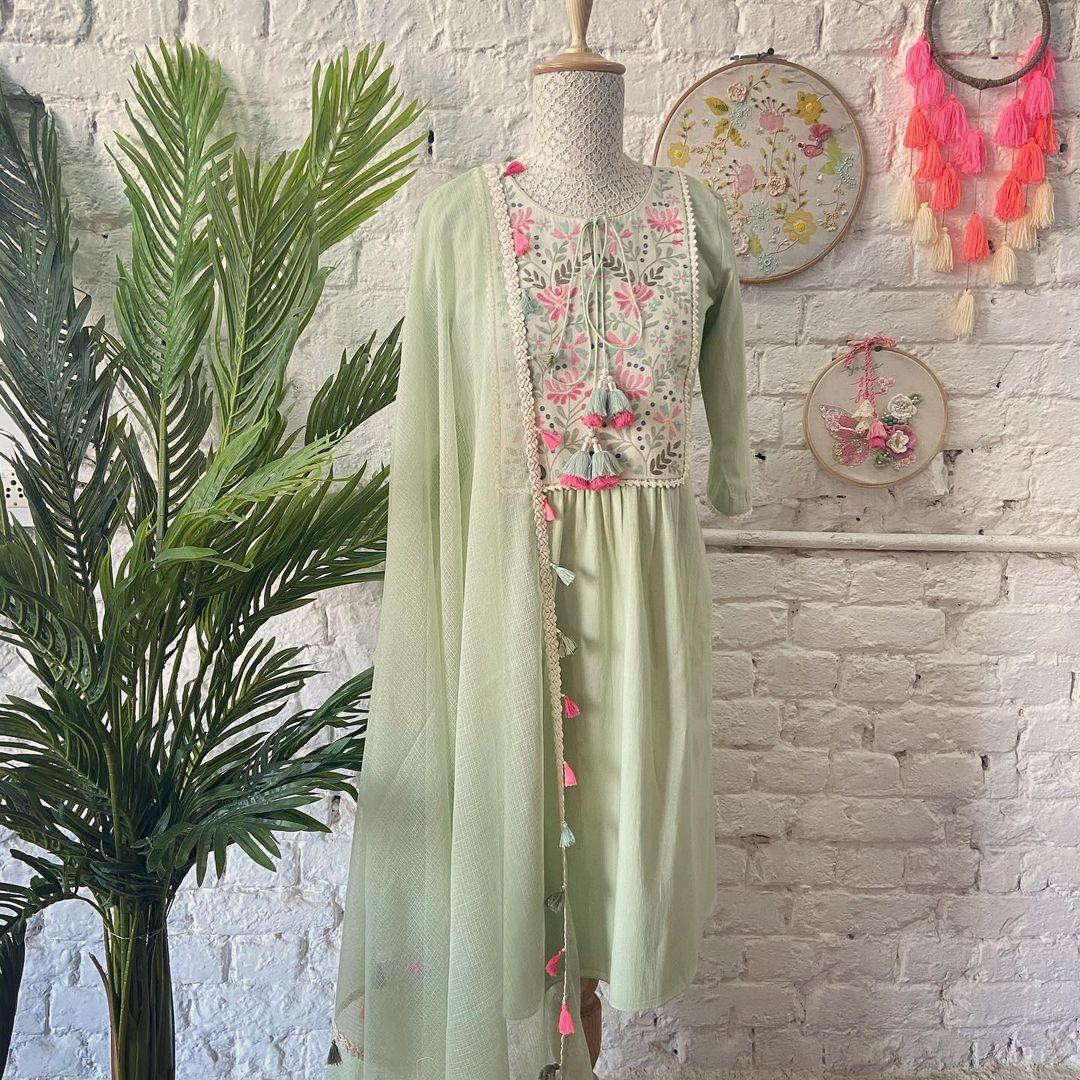 Stunning olive green color Ari Patch Kurta! | myntra anarkali dress | yellow anarkali gown | plain frock suit design | 2020-11-20