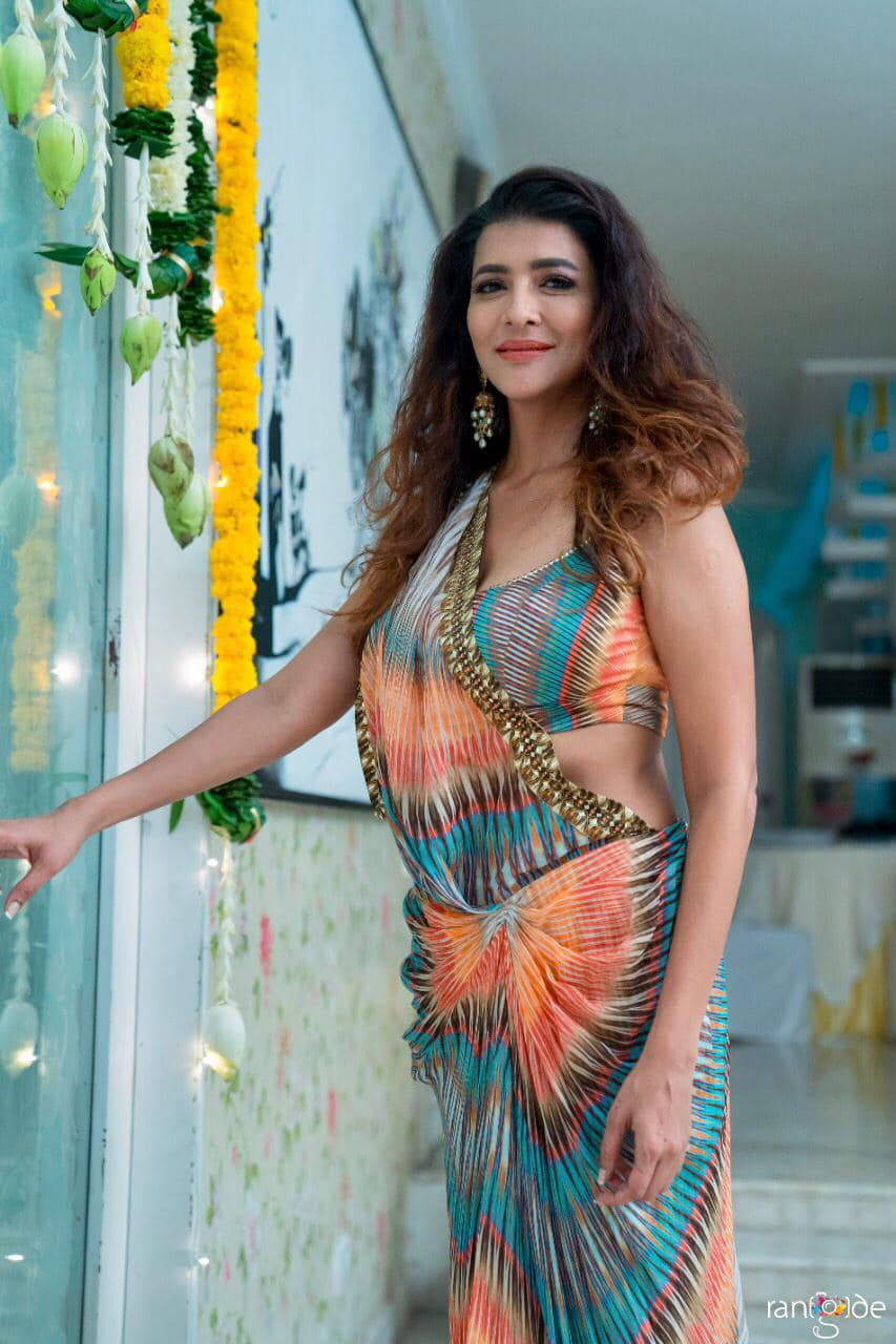 Escape the ordinary with a dose of colour. Lakshmi Manchu at Diwali party. |  |  |  | 2020-11-30