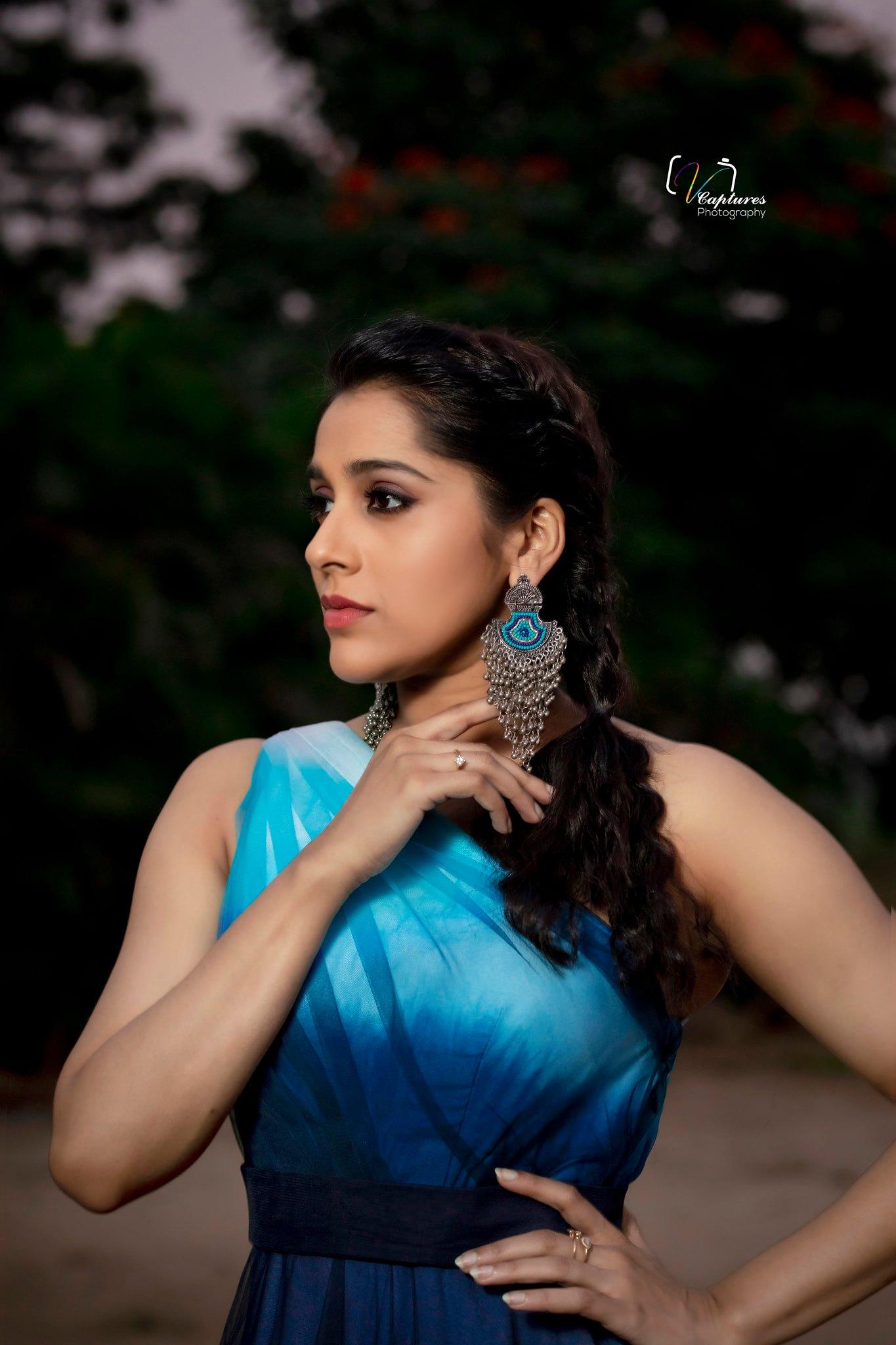Gorgeous actress Rashmi gautham in one shoulder dress for jabardasth. |  |  |  | 2020-12-04