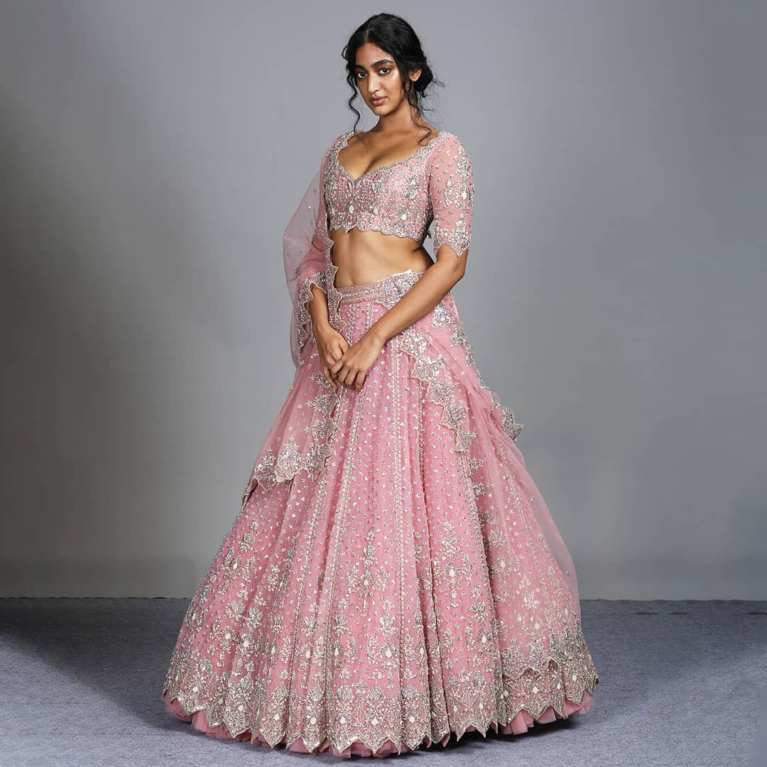 Bringing back the romanticism and femininity in Anushree Reddy unique signature style! | lehenga 2020 | silk chaniya choli | lehenga with short kurti designs | 2020-12-10