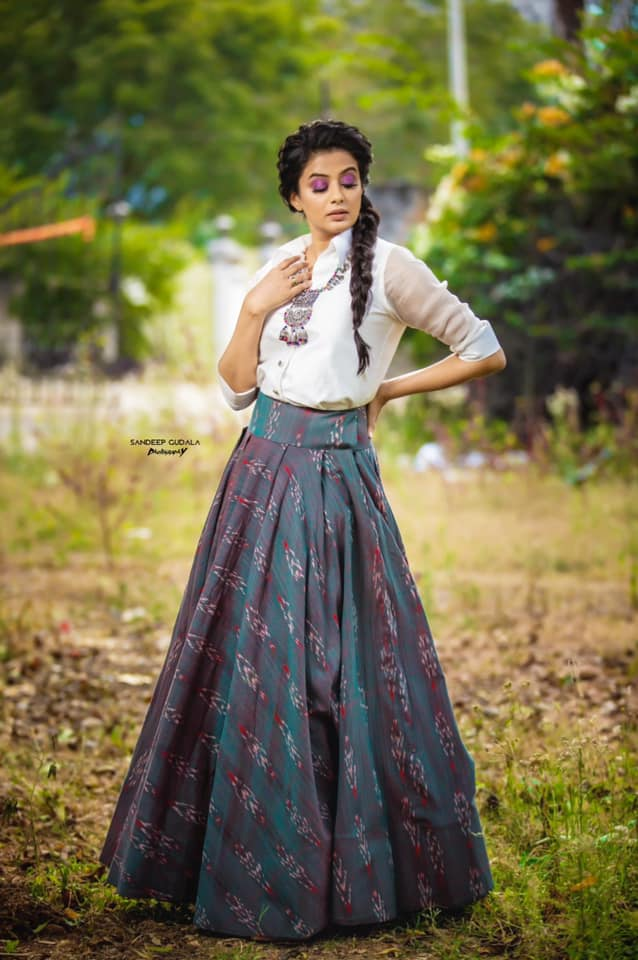Gorgeous actress Priyamani in skirt and shirt crop top for Dhee3. 2020-12-31
