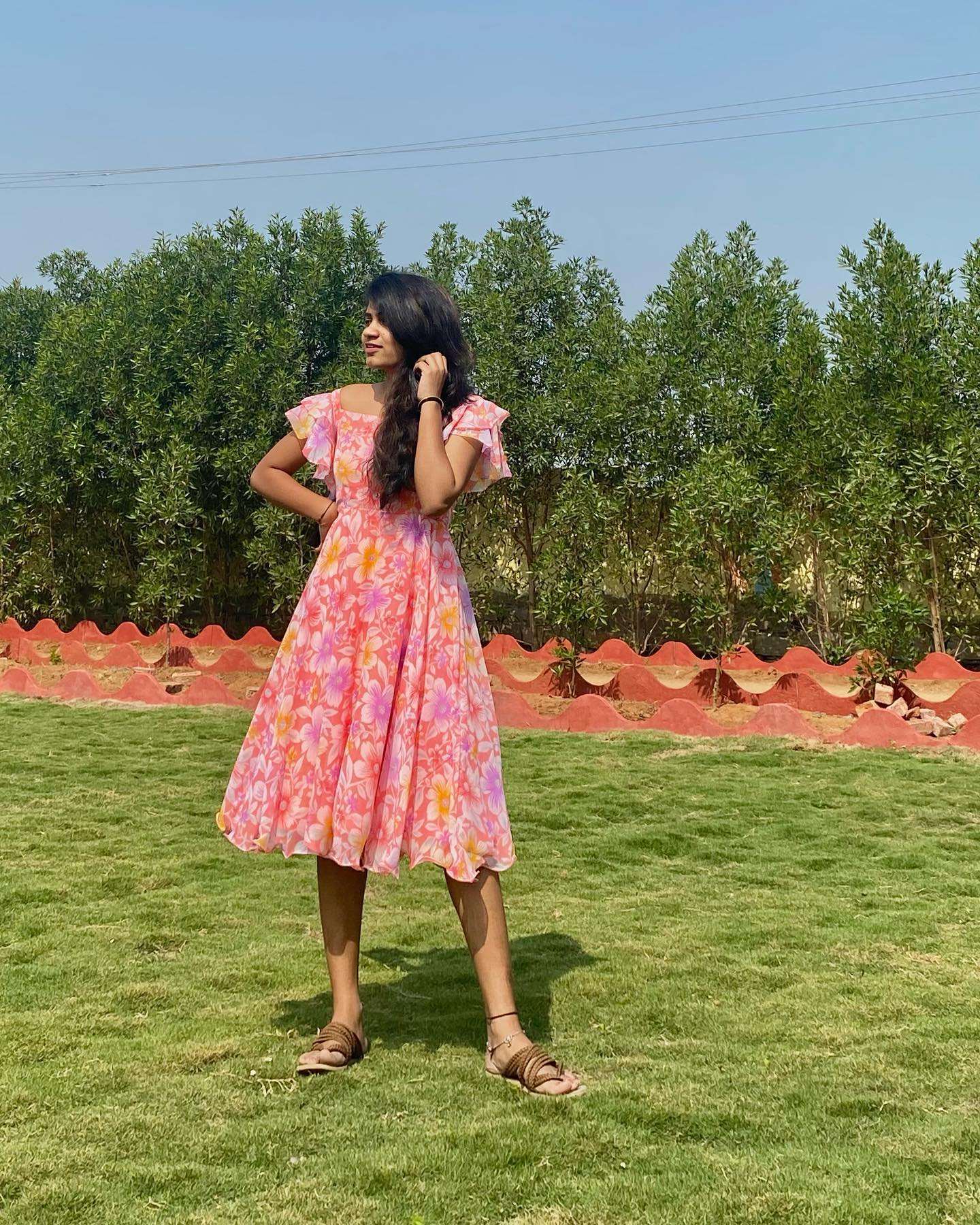 Casual Floral knee length frock Rs 1950.   2020-12-31