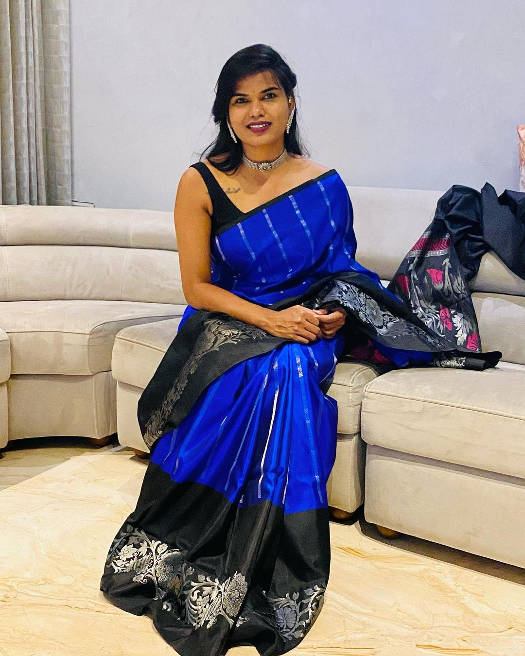 Stunning designer Sashi Vangapalli in blue and black color combination silver pattu saree. 2021-01-23