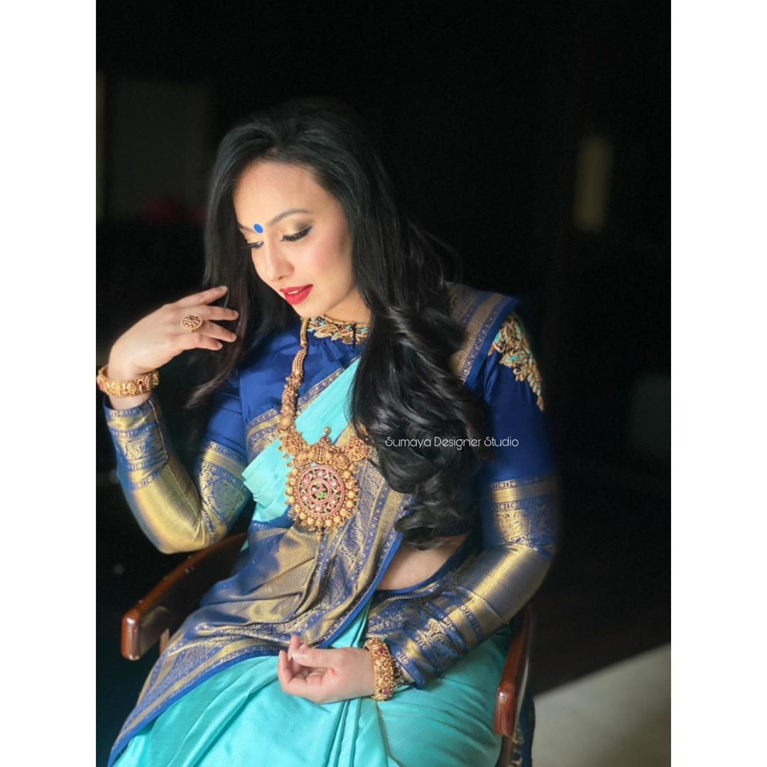 Gorgeous deep blue color designer blouse with dancing lady design hand embroidery thread maggam work.  2021-01-24