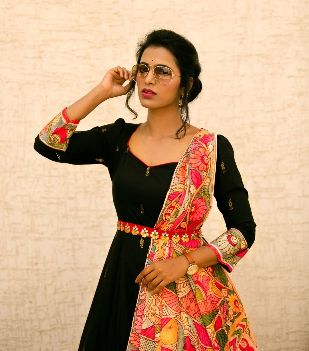 KALAMKARI - A classic melody.  Pre-draped kalamkari duppatta.  Over the years Sindhu Reddy  have learned that style is something that expresses who you are so my idea is to design clothes that a woman will love to wear today in two months in two years and on  Classic + ready-to-wear modern chic style is what Sindhu Reddy brand wants to say 2021-01-26