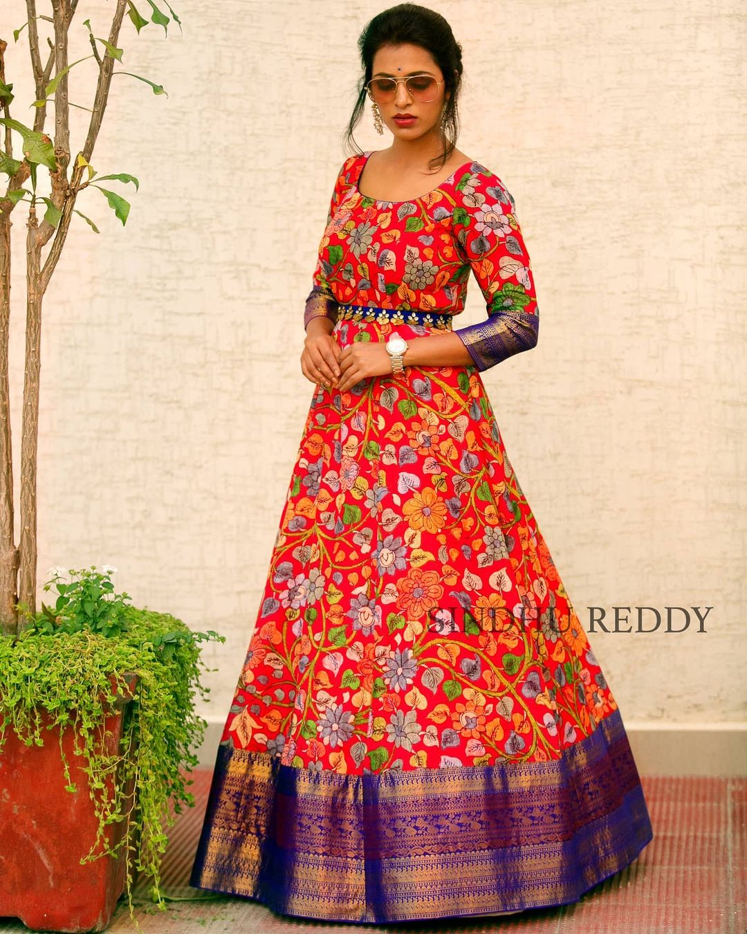 KALAMKARI - A classic melody.  Over the years Sindhu Reddy  have learned that style is something that expresses who you are so her idea is to design clothes that a woman will love to wear today in two months in two years and on. 2021-01-27