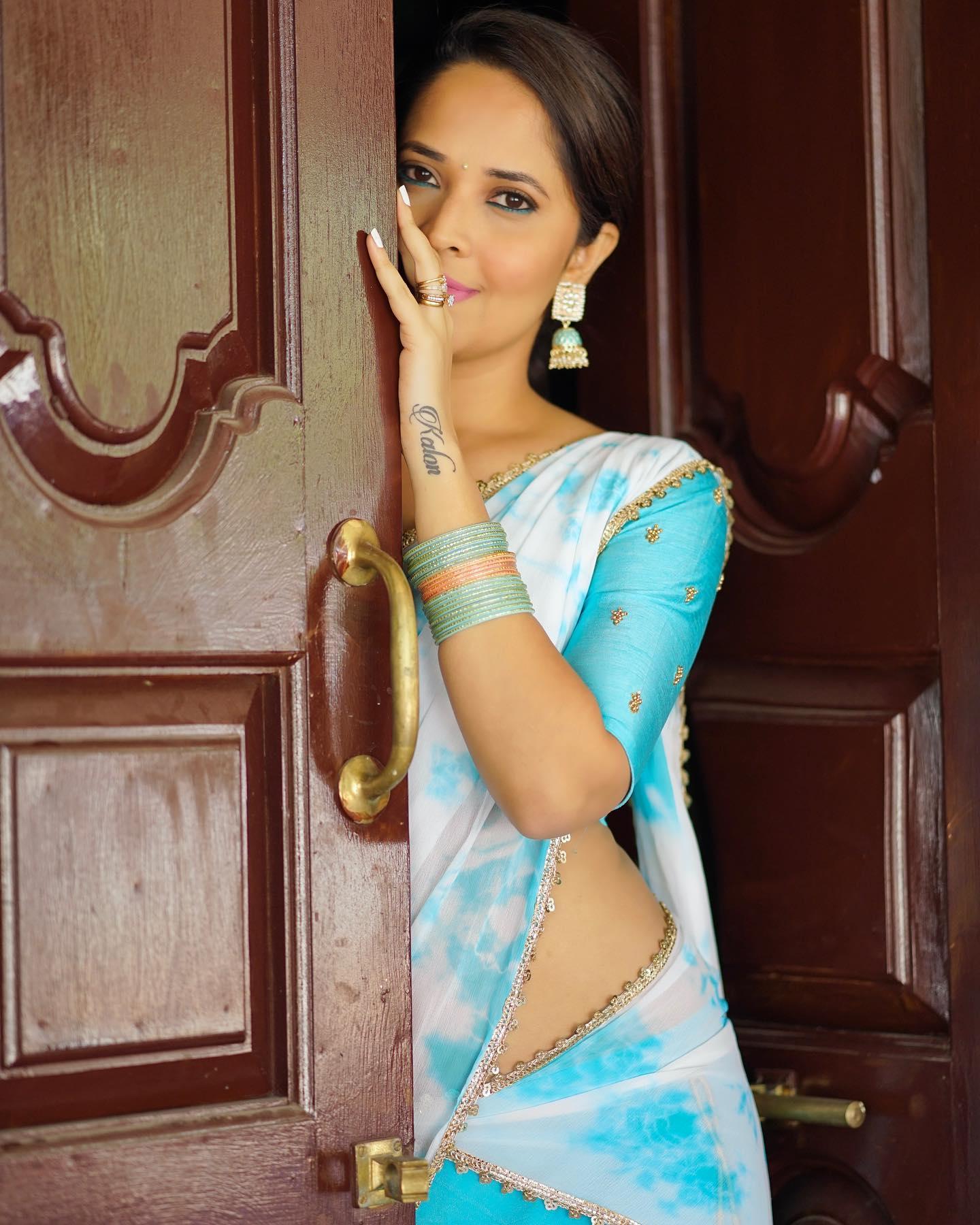 Beautiful anchor Anasuya Bardwaj in halfsaree for Jabardasth. 2021-02-19