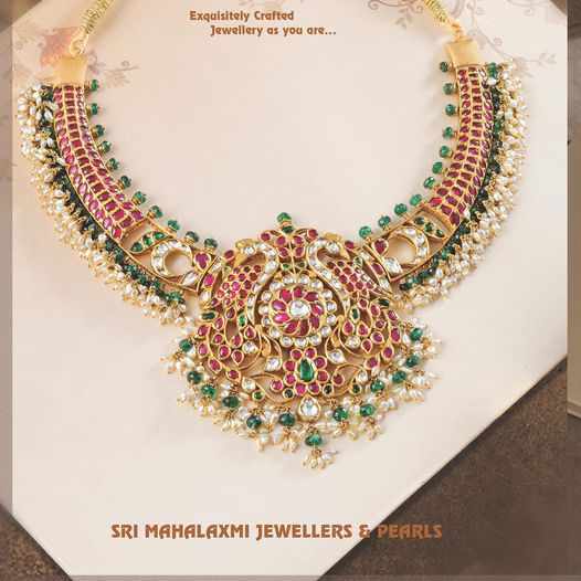 Fine kundan jewellery!