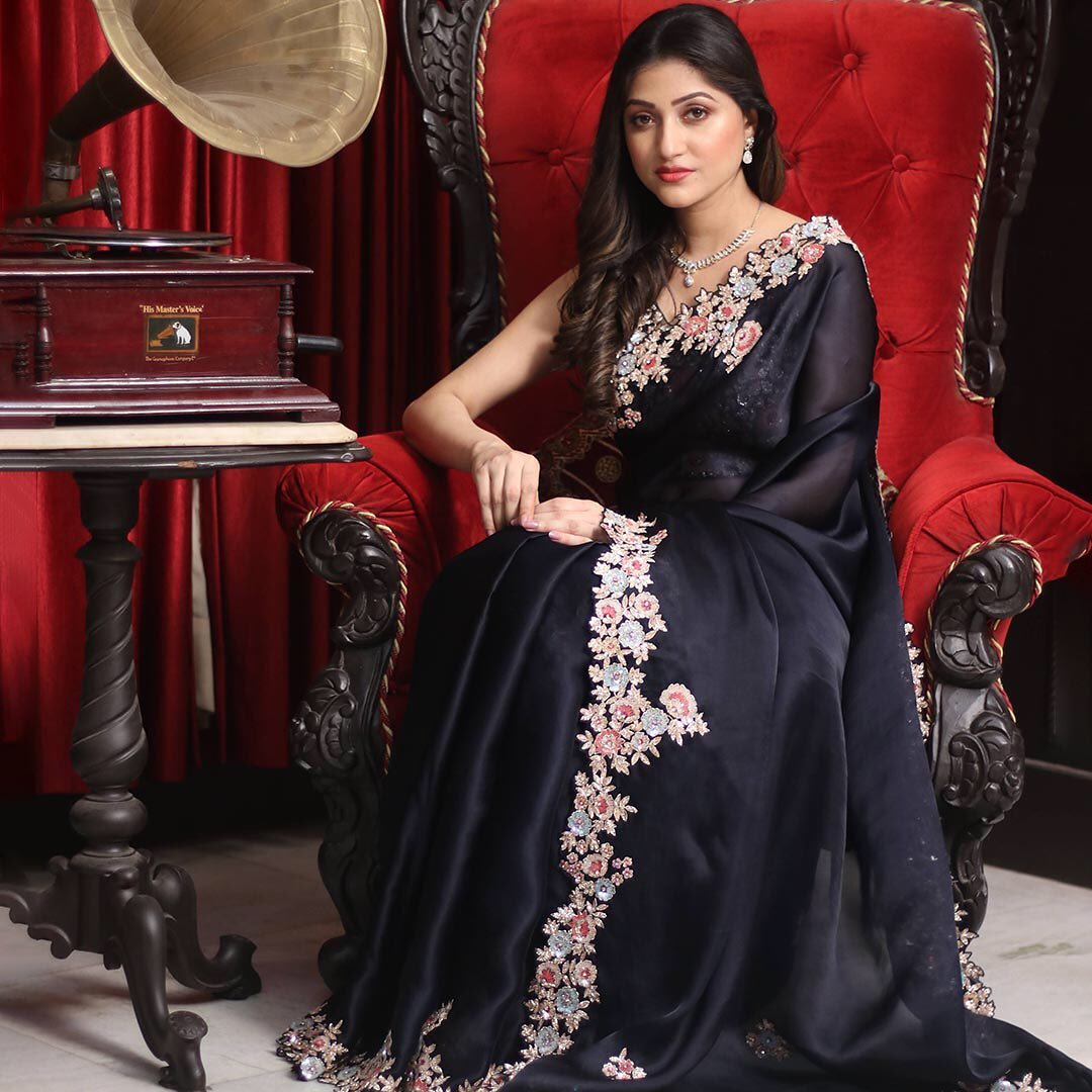 A stellar ensemble with glamour on-point crafted from Organza exude a sheer appeal. The captivating hand-embroidered details enrich the saree allure is styled with an embroidered readymade blouse.