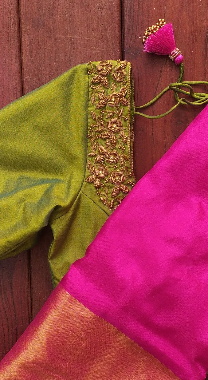 Soft silk  sarees . . . Bottle Green and Maroon upada soft silk saree with blouse material . . For orders and queries pls whatsapp  on 9952093562 2021-02-26