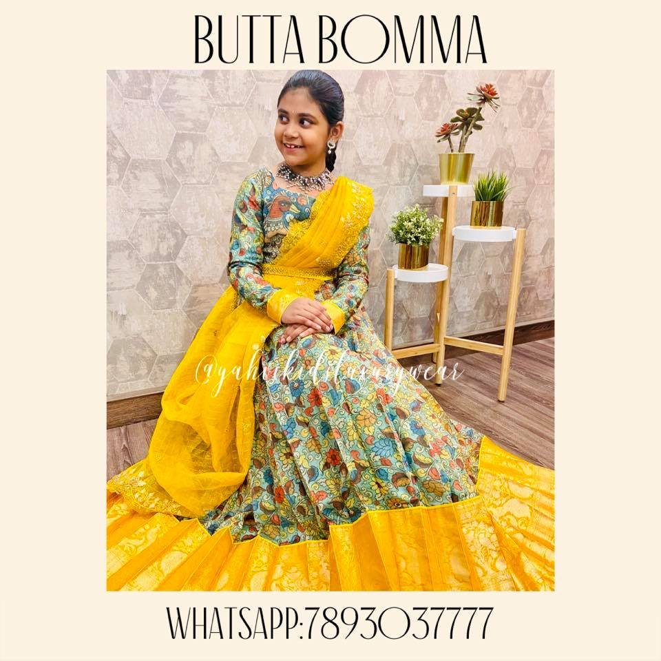 Butta bomma series .... here is new stunner in kalamkari design . Fusion of kalamkari design in jute silk highlited by kanjeevaram style border for both blouse and lehanga paired up with yellow organza checks dupatta in cutwork . . For Ordere DM or whatsapp 7893037777 2021-03-02