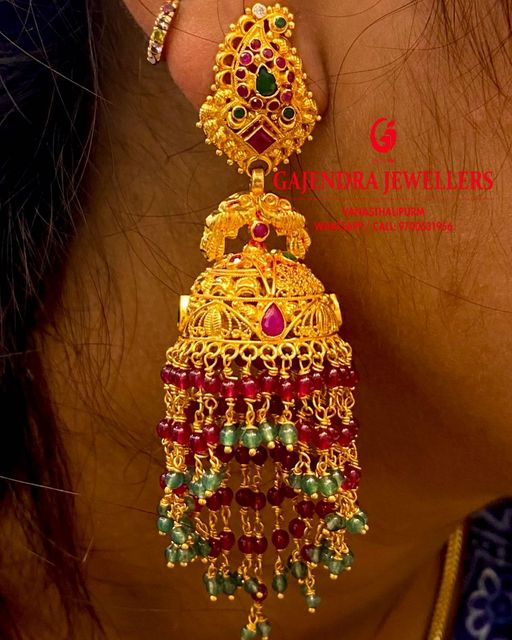 Gorgeous gold jumkhis with bead hangings. 2021-03-08