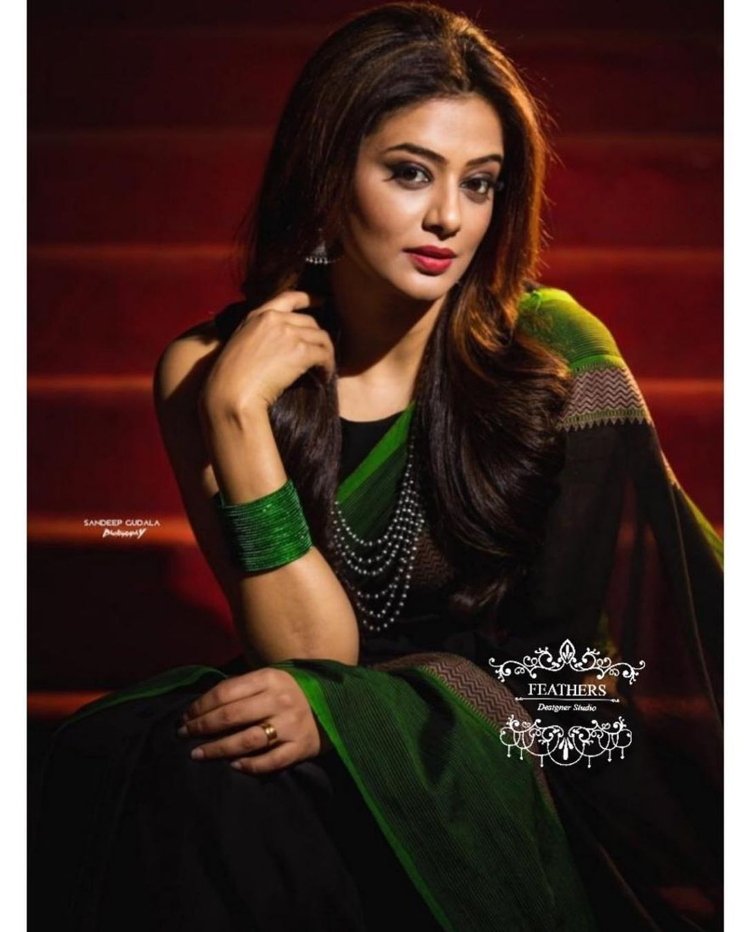 Beautiful Priyamani styled as gorgeous as ever in Feathers Handloom drape saree for Dhee13 kings vs queens. 2021-03-11