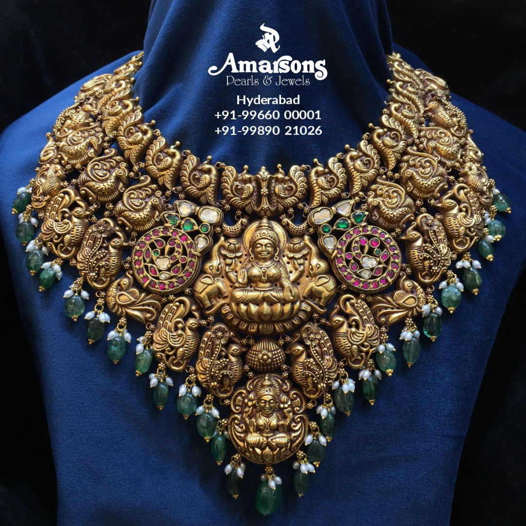 Gold Nakshi Lakshmi Necklace with Emerald From Aamarsons jewellery. 2021-03-18