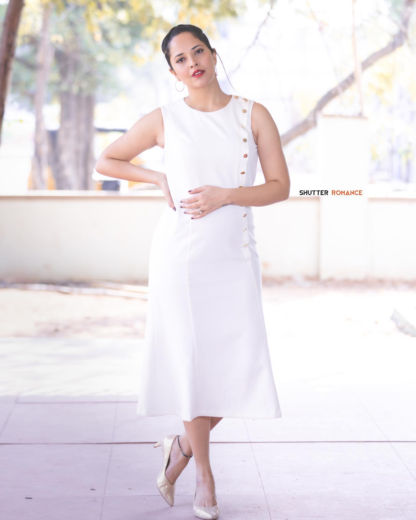 Gorgeous actress Anasuya Bardwaj in pearl white color tube dress for Jabardasth. 2021-03-26
