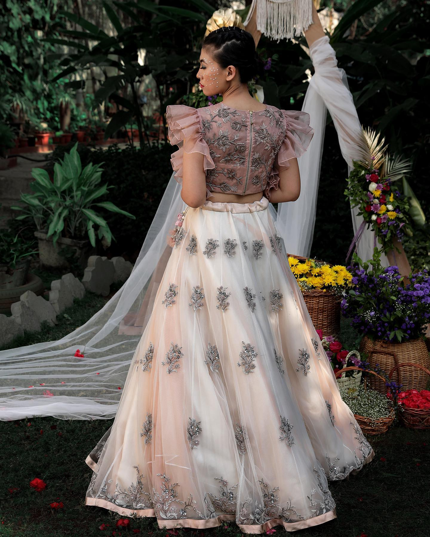 An ethereal exquisite couture mesmerised with the details of the gorgeous pastel hues in sophisticated styles intricate patterns in flary silhouettes blending perfectly with flowy net fabrics with luxury contemporary cuts and pastel embroidered floral motifs. A perfect contemporary collective for a wedding events. 2021-03-30