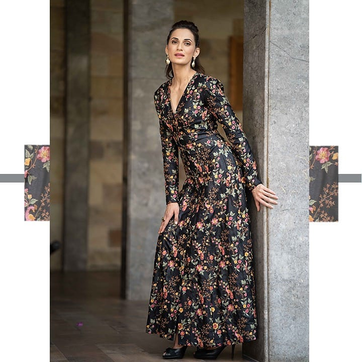 Beautiful Sshilpa Reddy looking regal and elegant in a well-tailored mystical black thread embroidered dress. The outfit is timeless and made of Tussar silk with delicate thread embroidery that beautifully portrays nature. 2021-04-01