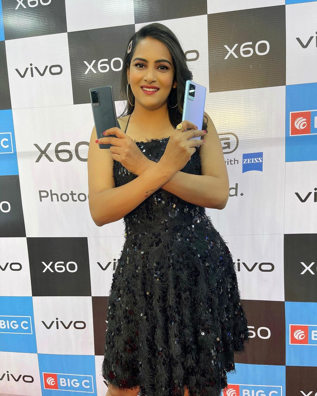 Himaja soo Happy to Launch VIVO X60 PRO at BIGC AMEERPET . Himaja in black dress. 2021-04-04