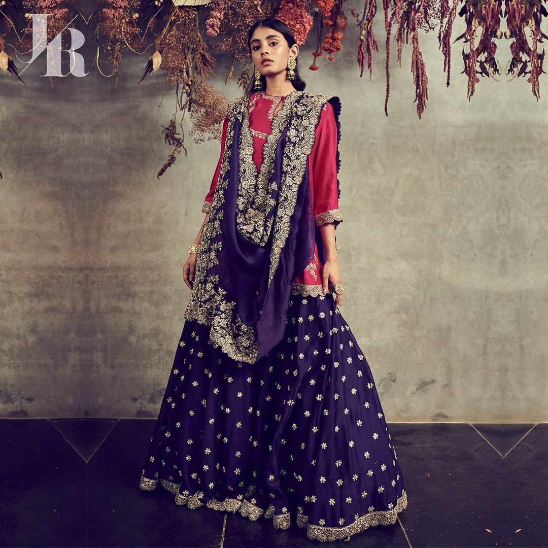 COUTURE 2021  Handwoven textiles embellished with intricate hand embroidery. 2021-04-04