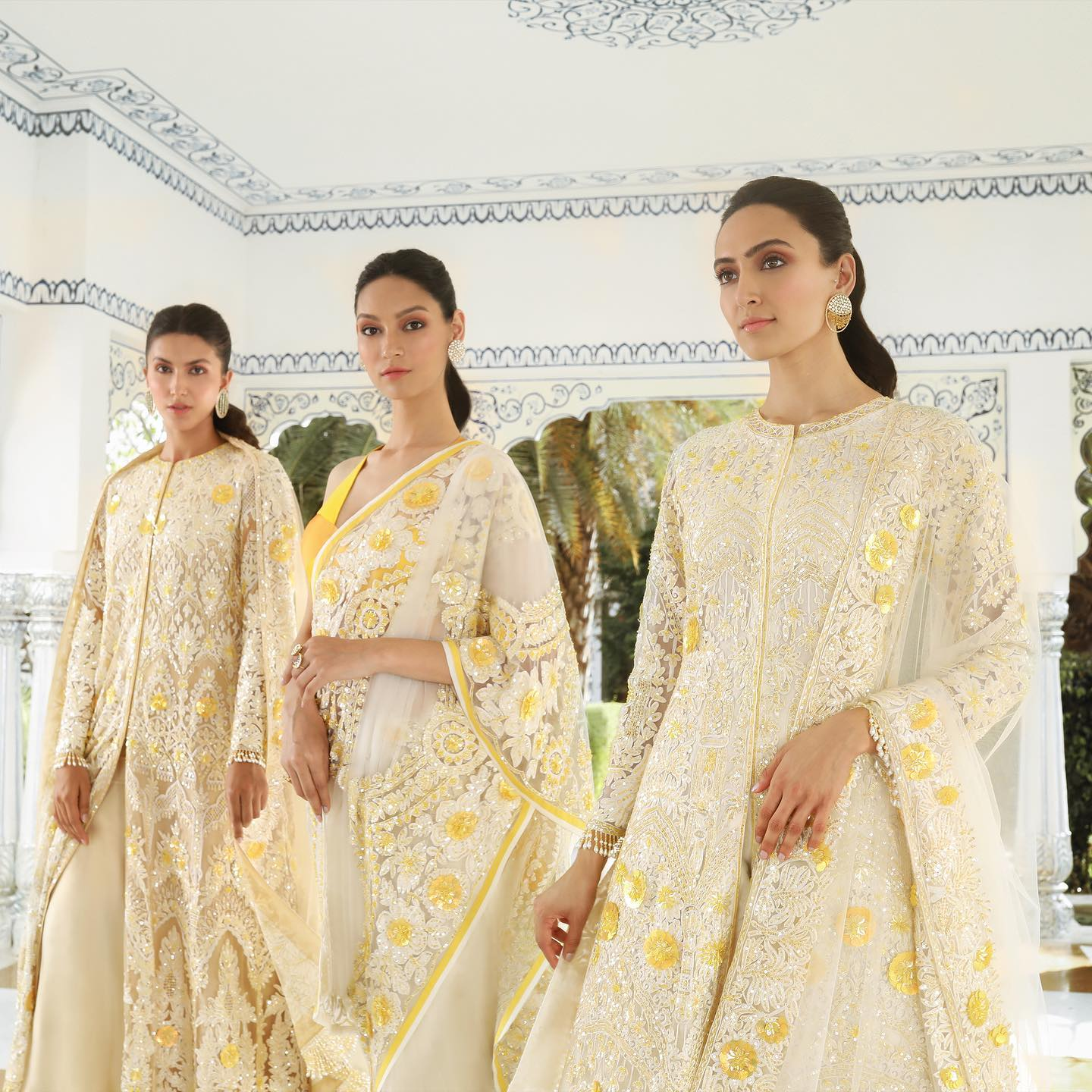 An awe-inspiring palette of intricate Kashmiri thread work and sublime hued ensembles are assembling to let you sway effortlessly through springtime festivities! 2021-04-06