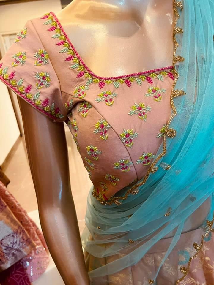 Ready to ship. Price : 20000 INR.. Fabric : Pure Banarasi Lehanga with beaded work and hand cutwork Duppatta To order WhatsApp 7013728388 2021-04-08