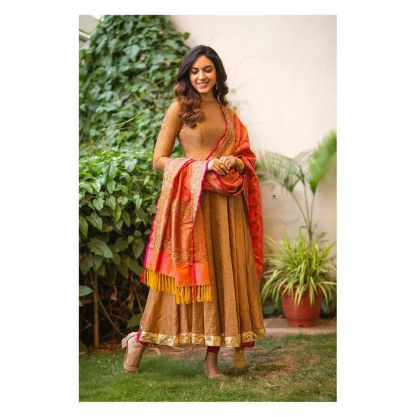 Ritu Varma in floor length anarkali.  Outfit : Geethika kanumilli. Jewellery : Amrapali jewels . Asst Stylist Manogna gollapudi .  2021-04-09