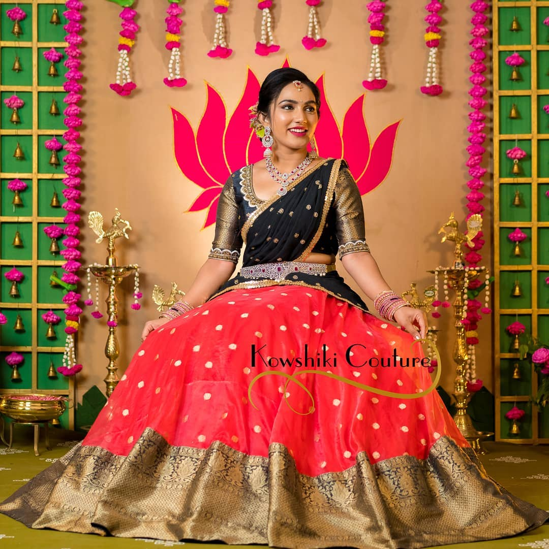 Awesome Red and Black Pattu lanaga voni from house of Kowshiki couture. 2021-04-12