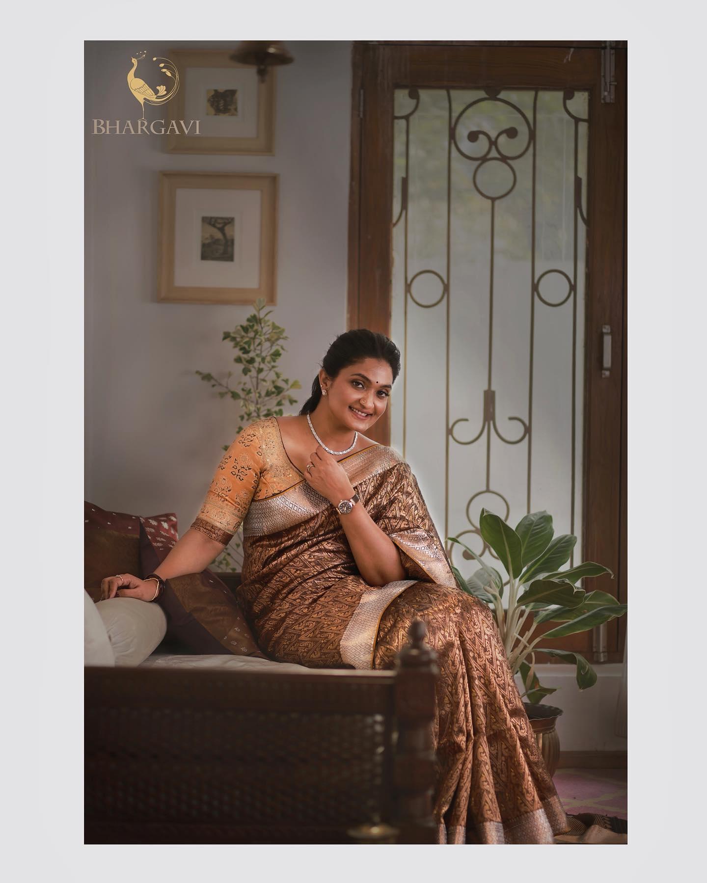 Beautiful designer  Bhargavi kunam in designer saree. 2021-04-13
