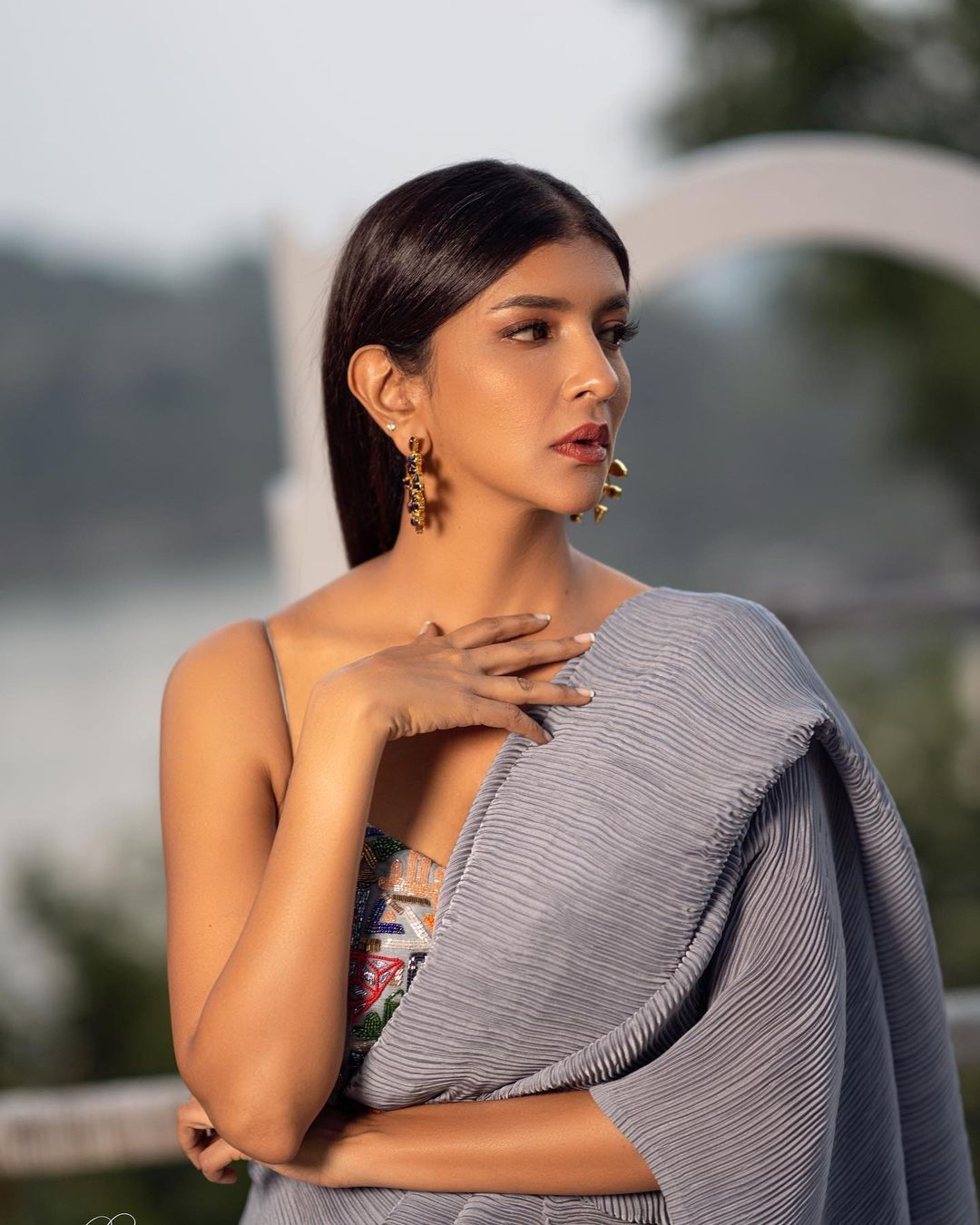 Lakshmi Manchu stuns in Architha Narayanam grey crushed saree with Architha Narayanam signature abstract bandeau. 2021-04-13