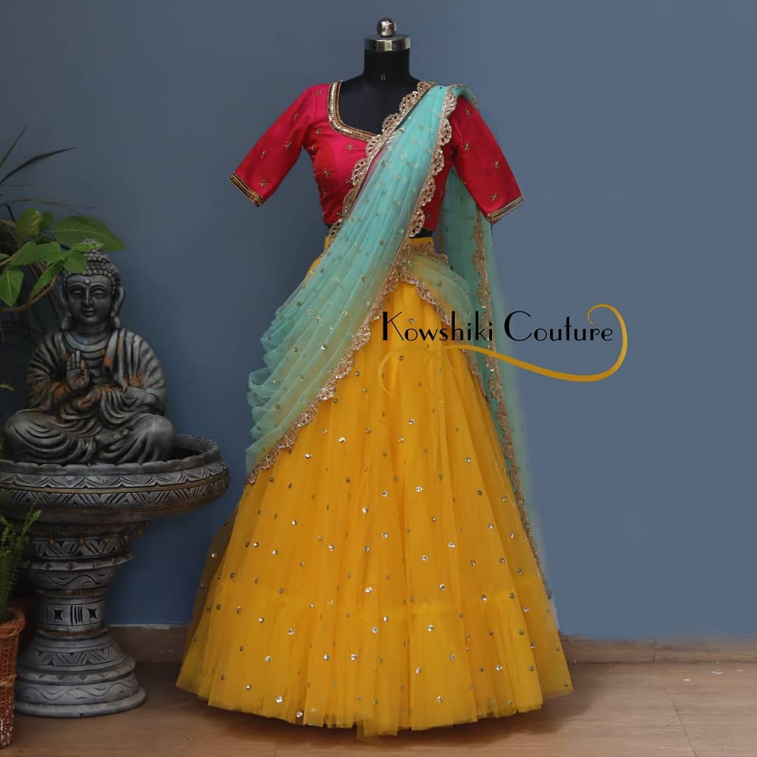 No doubt you look ravishing in this net Lehenga with gold buttis! 2021-04-20