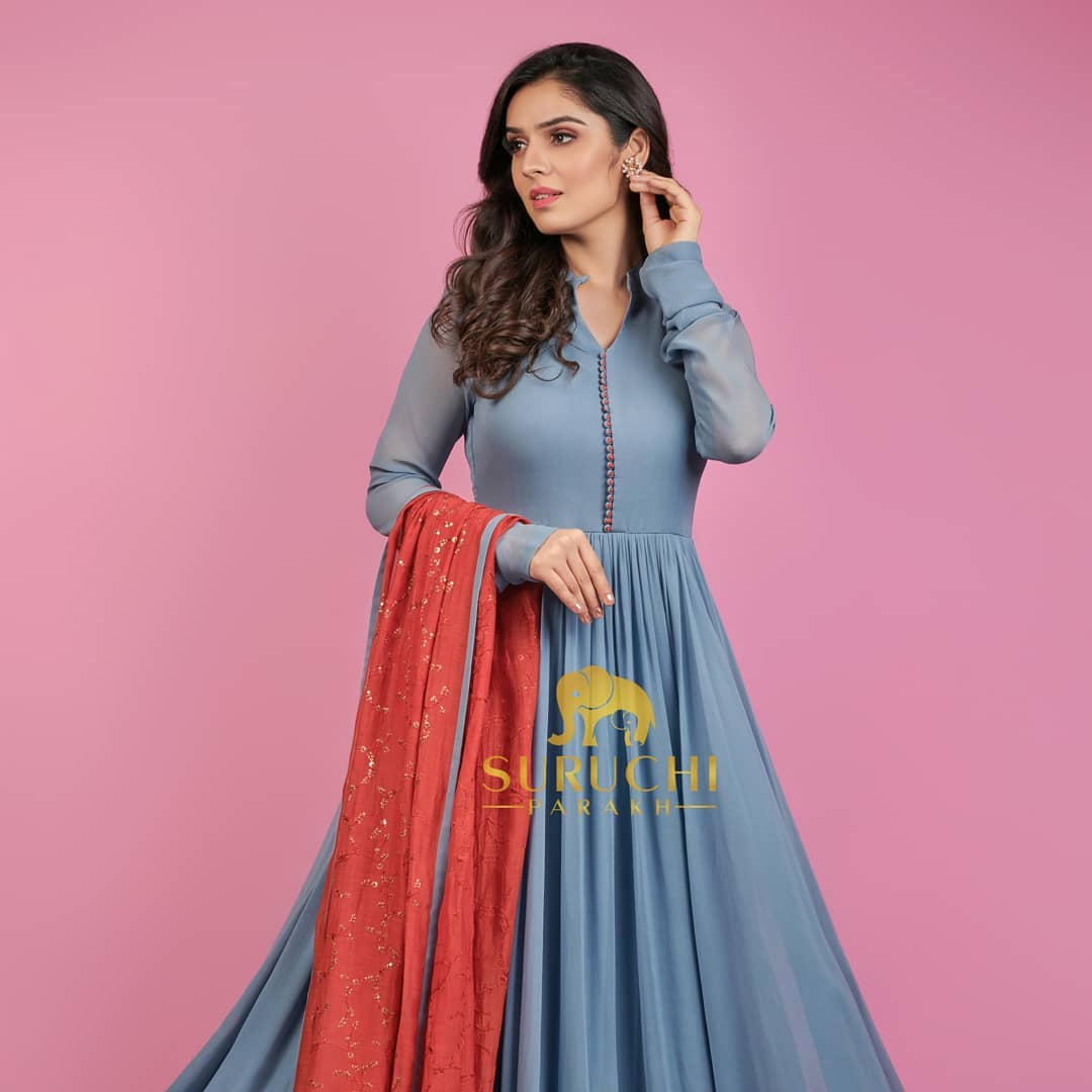 Didn't you just see yourself styling this at your upcoming Indian functions?
