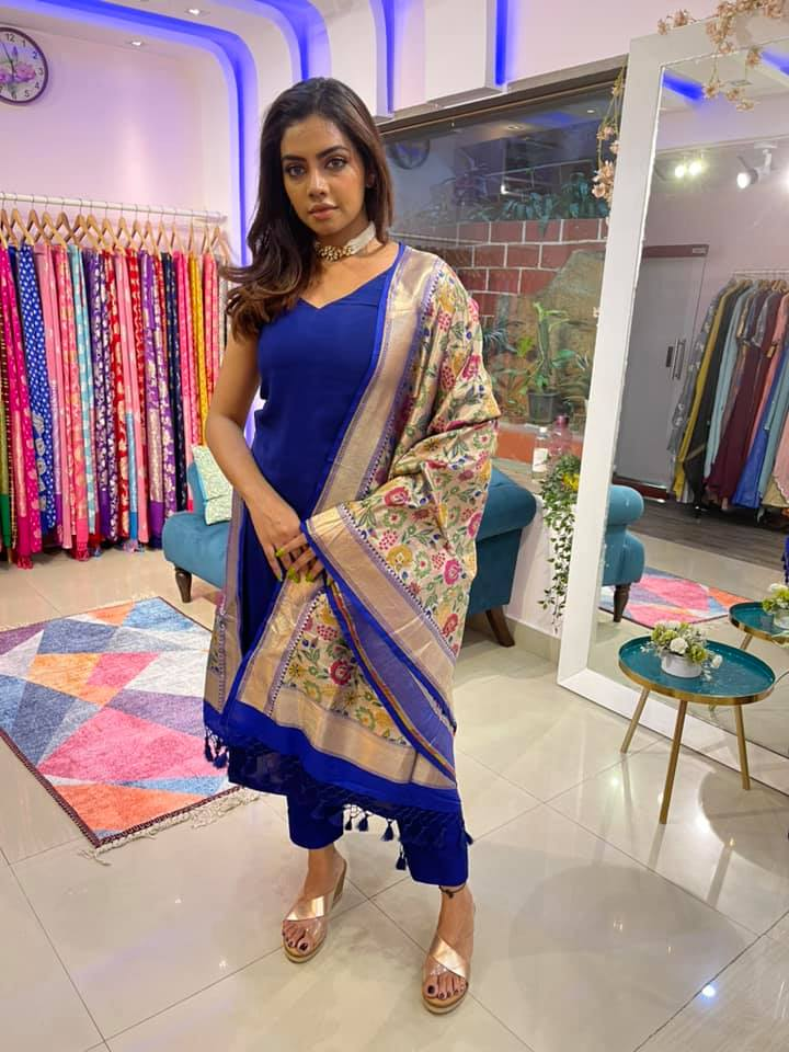 Beautiful blue colour straight fit dress with paithani dupatta. 2021-05-02