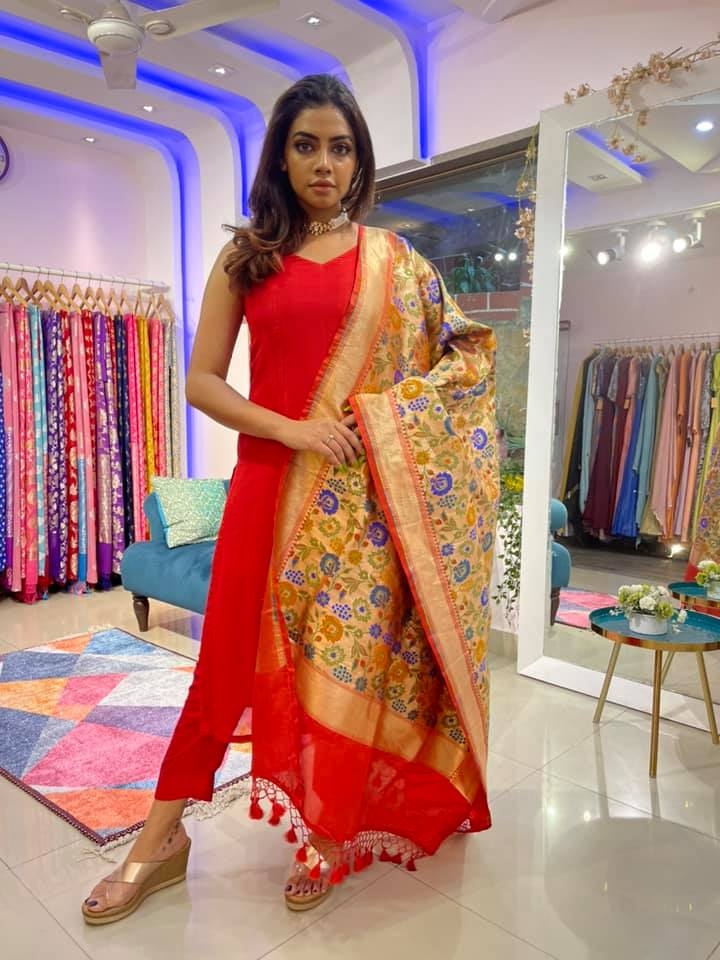 Beautiful red colour straight fit dress with paithani dupatta. 2021-05-02