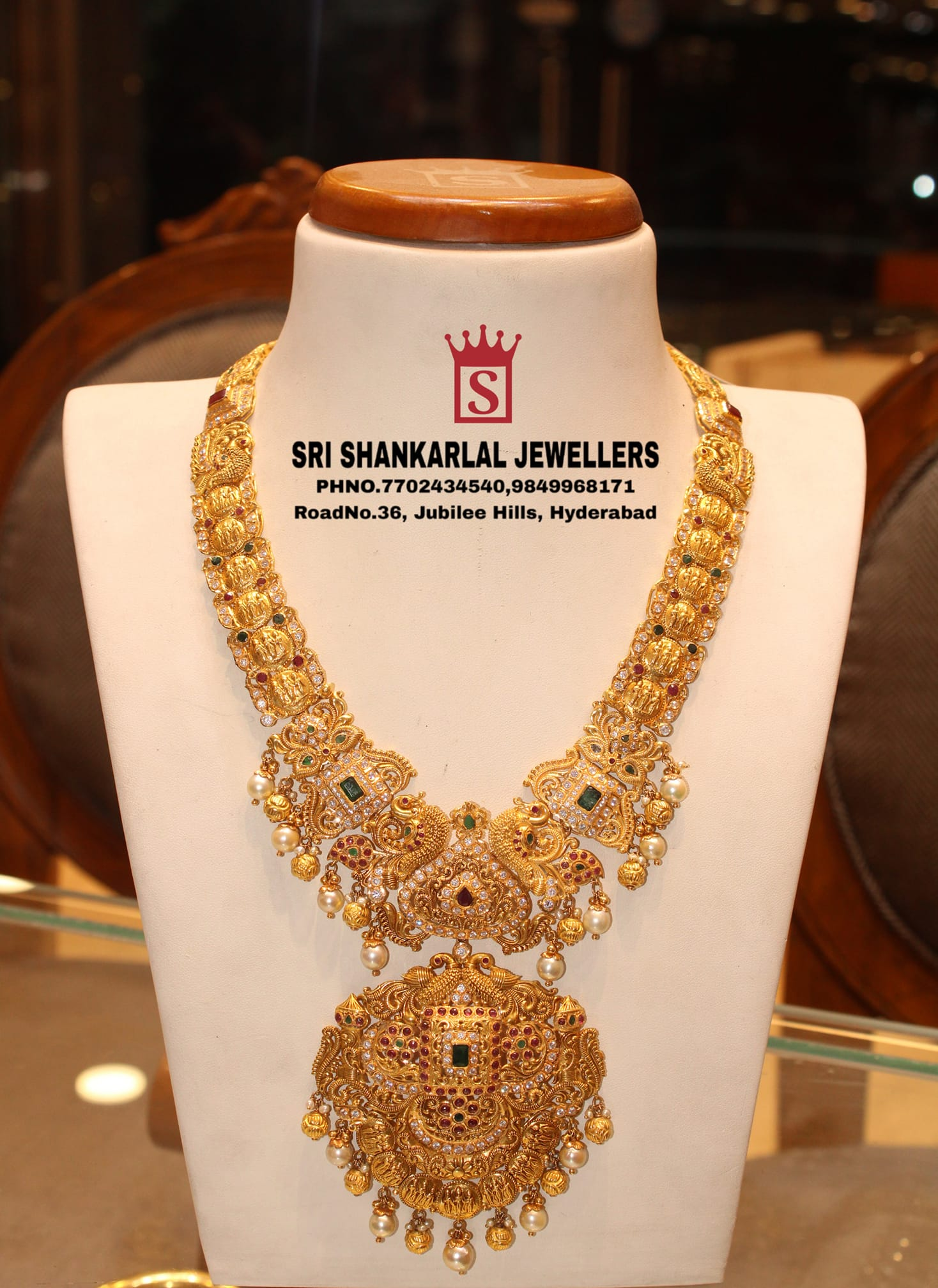 Latest Gold Ramparivar Haram vast collection in light weight heavy looking. Now they Are Presenting Offers Any Further details please contact on this no 7702434540 // 9849968171 //9966118893 to see on video call more collection. 2021-05-06
