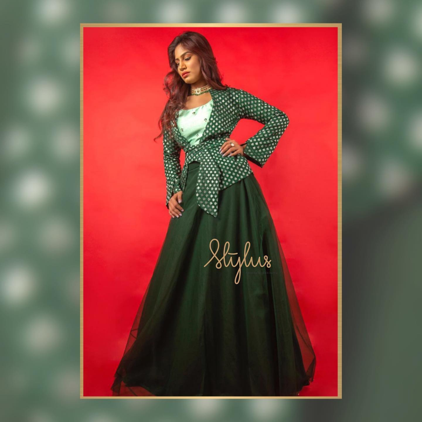 Rouhi - The Benarasi Collection is a beautiful amalgamation of modern & traditional elements. So is the magnificent pastel green crop top with a dark green skirt and a gorgeous hand embroidered jacket. Wear it on any occasion and any day! 2021-05-07