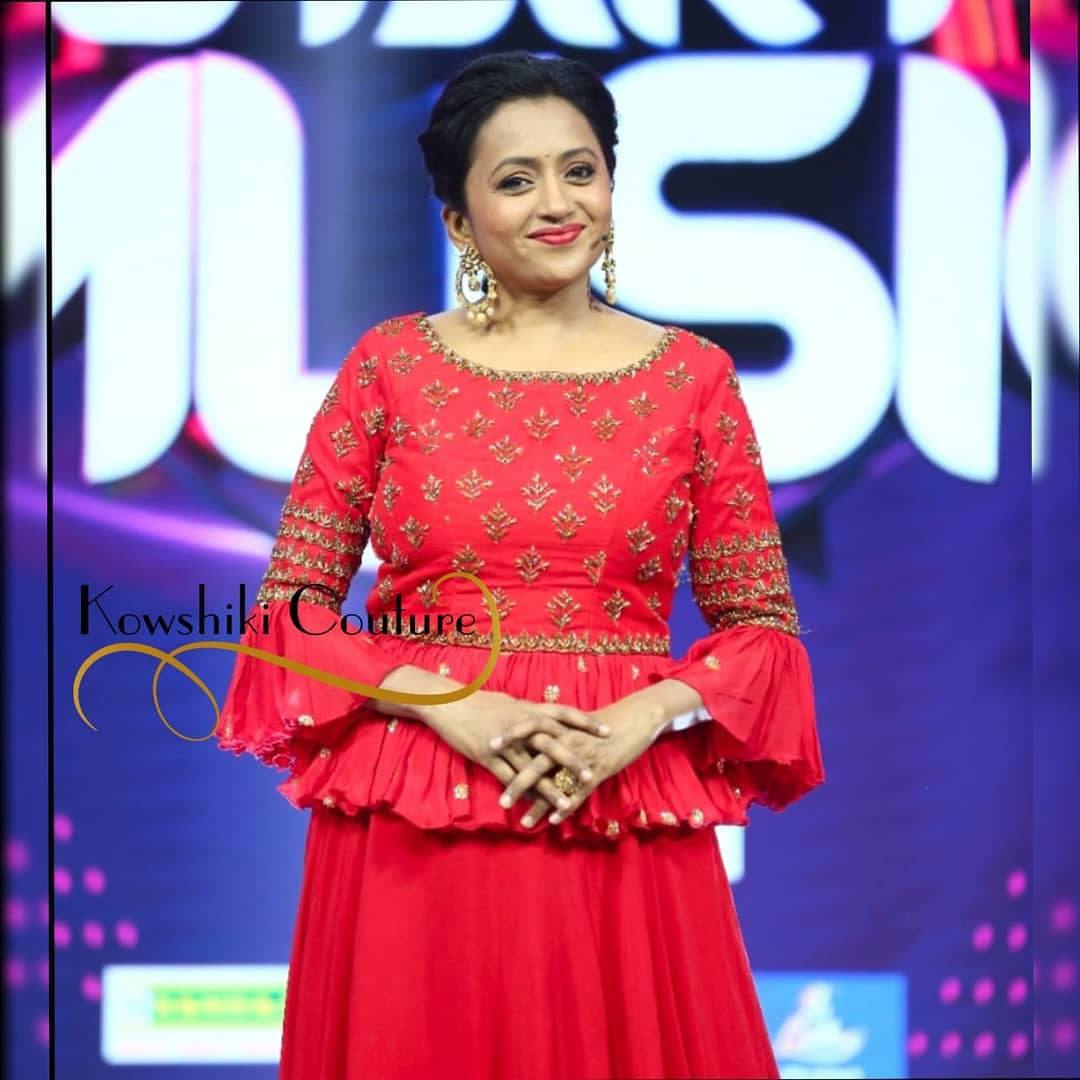 Beautiful anchor Suma Kanakala in custom designed scintillating peplum top with Lehenga for start music in Starmaa. 2021-05-18