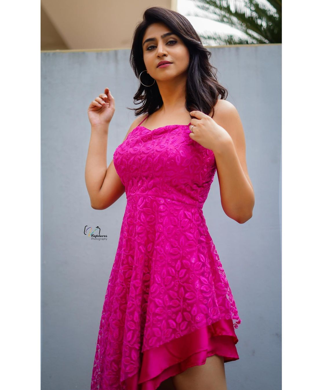 Beautiful anchor Varshini Sounderajan in pink color knee length dress. 2021-05-20