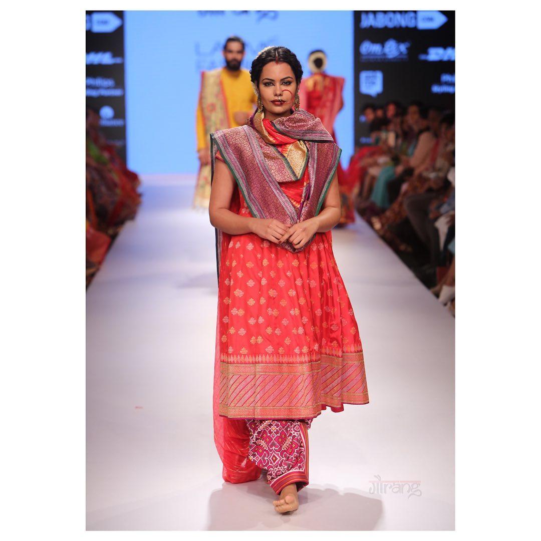 classic Silk Jamdani Anarkali and Duppata with Patan Salwar at the Lakme Fashion week. 2021-05-23
