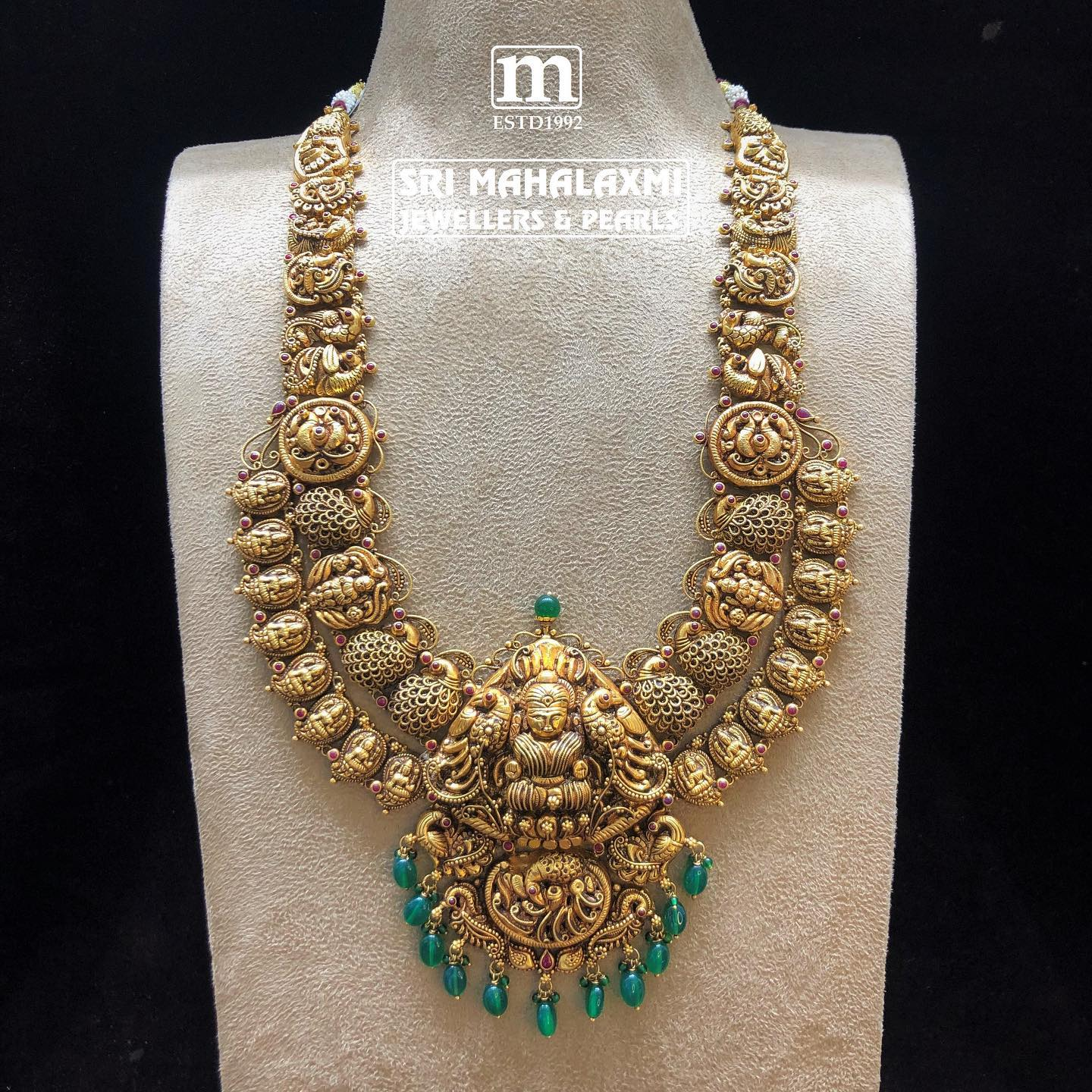 Gorgeous deep nakash work haram! Exquisite temple jewellery collection made in light weight using fine gems. 2021-05-24