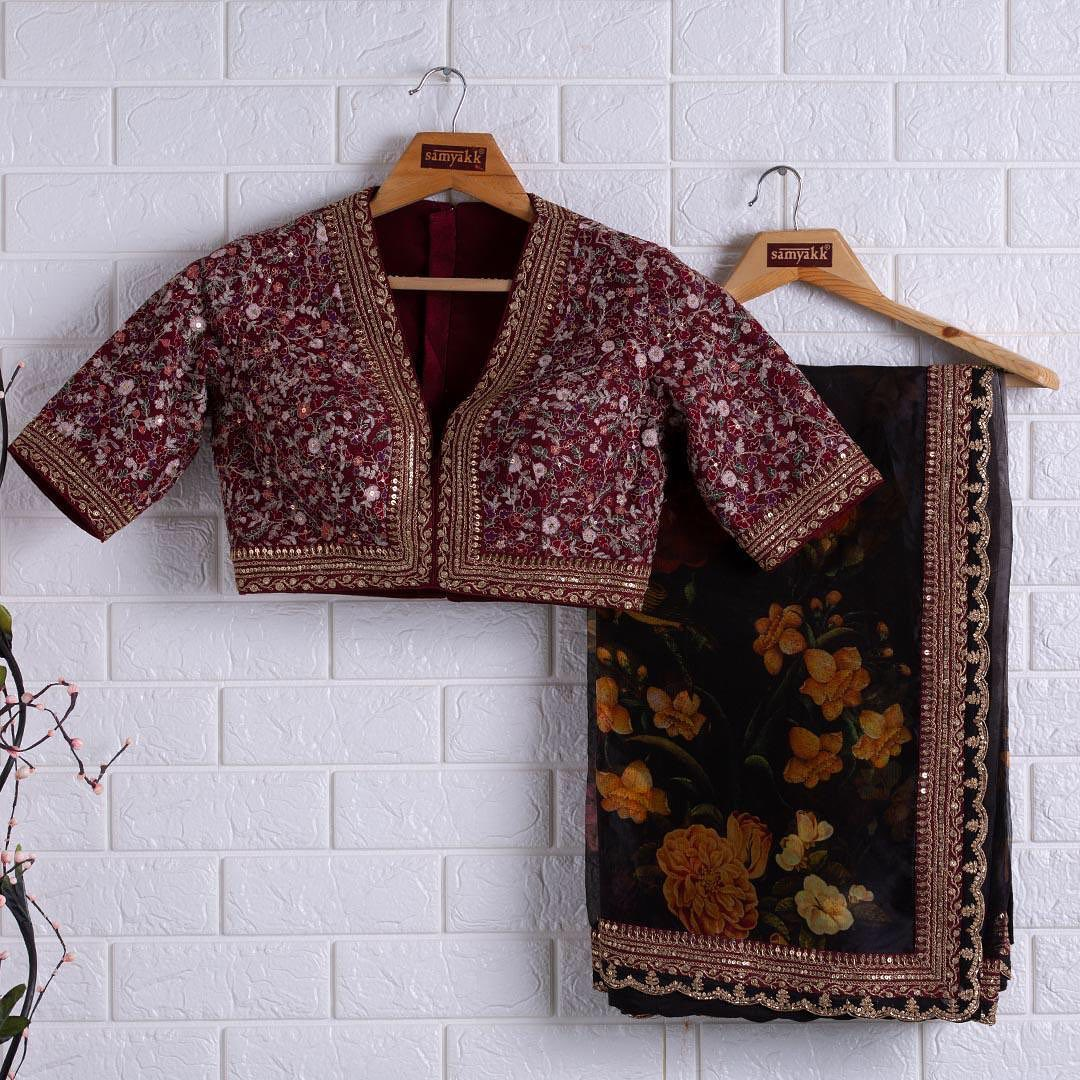 A perfect traditional ensemble constructed with floral prints and enhanced with beautiful embroidered work.  - Worldwide free shipping Contact : 00919845922959 Email: Esales@samyakk.com Product Code: RJ4157 2021-05-27