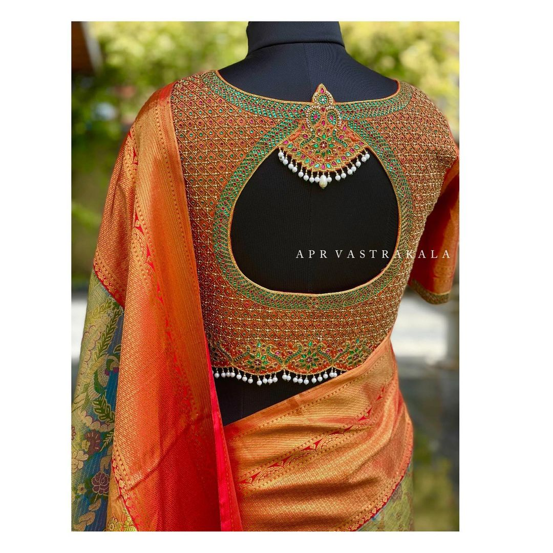 They convert our dream jewellery designs to embroidery on outfits. 2021-05-27