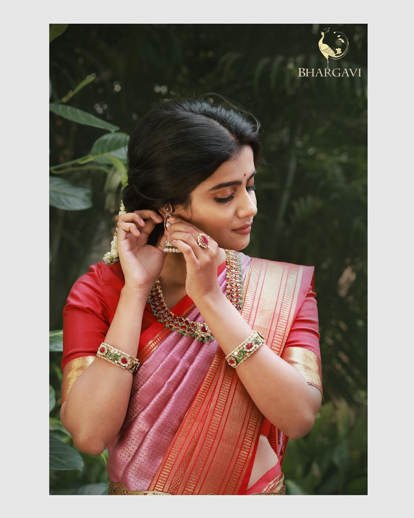 House of bhargavi kunam designs blends the timeless nature with contemporary styles to bring out designs that are elegant and modern. They always brings to you exquisite collection of handwoven saris exclusive kanjeevam  paithani banaras and many more.... 2021-06-02