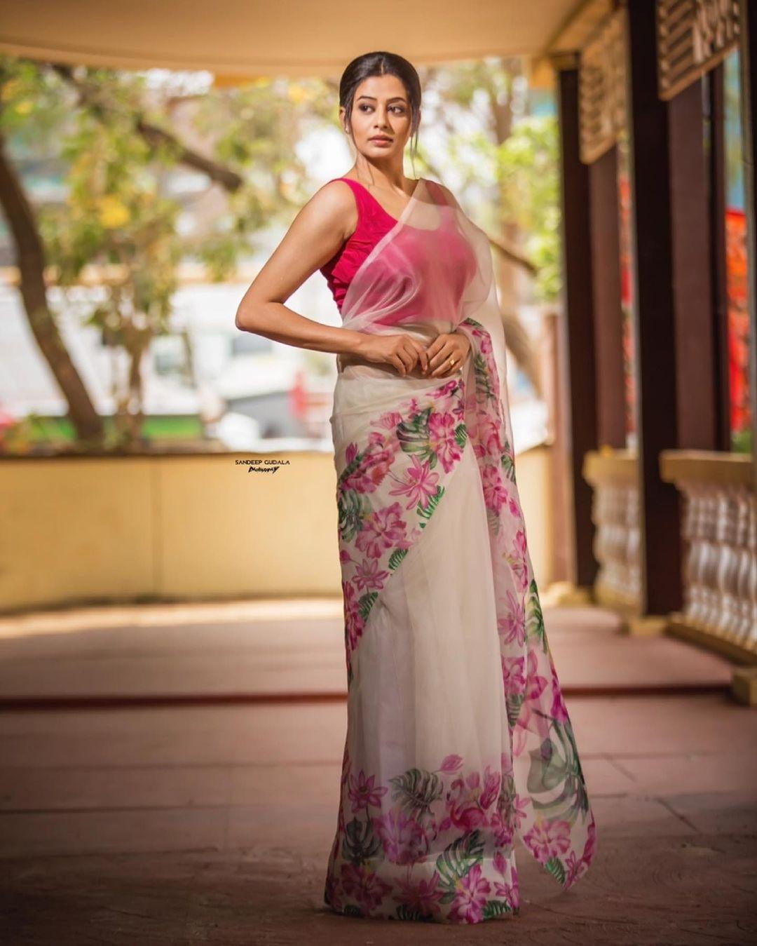 Beautiful actress Priyamani in digital print saree. 2021-06-02