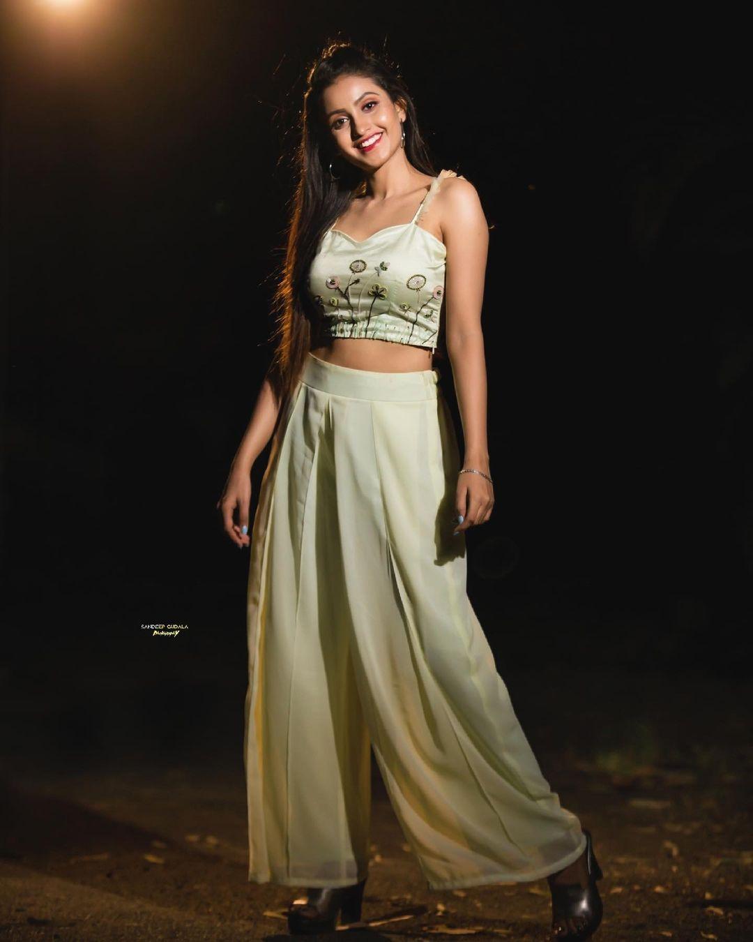 Beautiful actress Deepika Pilli in palazzo pants and crop top.  2021-06-03